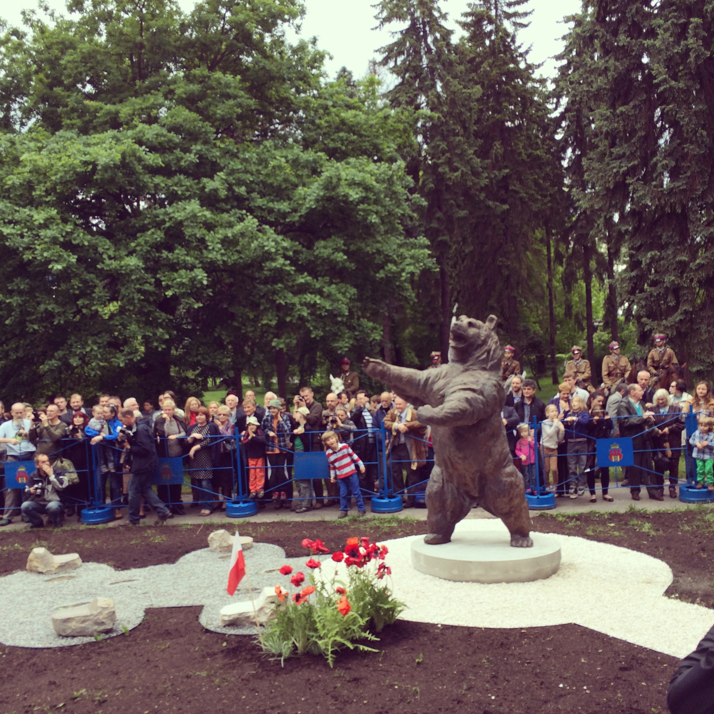 Crowds admiring Wojtek for the first time 18th May 2014